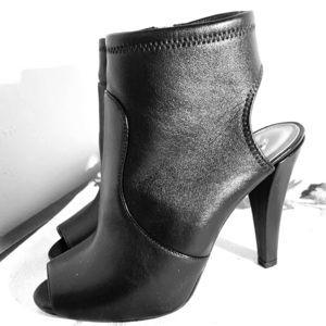 Michael Kors boots booties black 8 EUC spring
